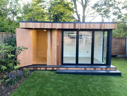 Garden office with store by Garden Spaces